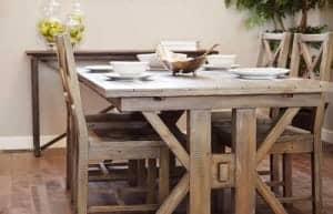 Massivholzmöbel - nicht nur im Esszimmer beliebt